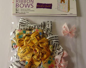 Set of 12 small nodes colored ribbon - patterns - embellishments
