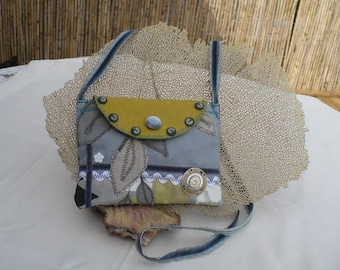 Small burlap shoulder bag gray