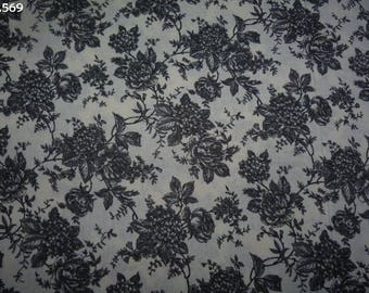 C569 grey flowers on a background fabric unbleached 34x50cm coupon