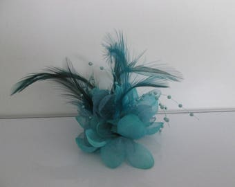 Blue pin, clip in hair, ceremony, wedding, flowers, pearls, feathers