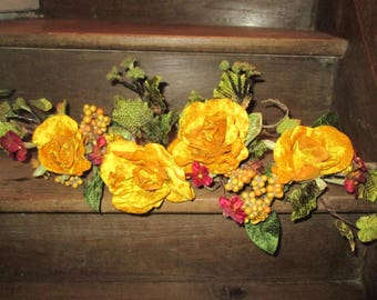 Floral decoration to hang or lay with branch of flowers in Velvet