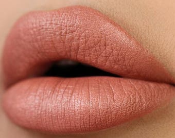 CONCRETE JUNGLE Liquid Lipstick