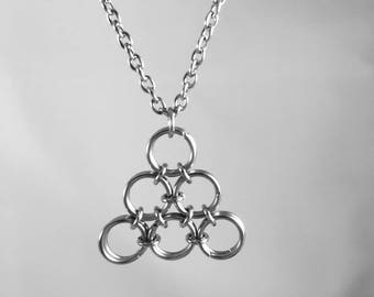 Triangle chainmaille necklace