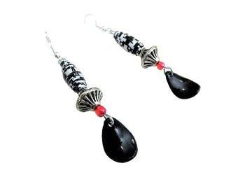 Boucles d'oreille ethniques, boucles d'oreille, pendants d'oreilles, dormeuses, perle papier noir et blanc, graphique