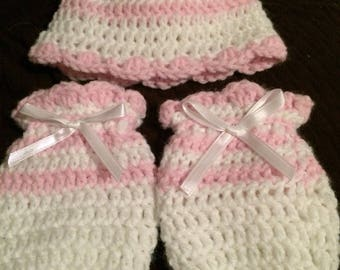 Pink/White beautiful crocheted baby hat and matching mittens.