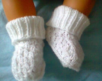 slippers knitted white wool baby amounts