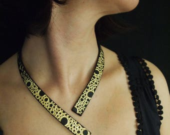 "Opera necklace ""Golden bubbles"", so black slate and gold foil"