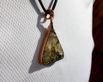 Pendant Triangle copper and resin