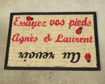 "Doormat personalized ""Welcome!"" with names of family members and stars, black, red, pimprenellecreations"
