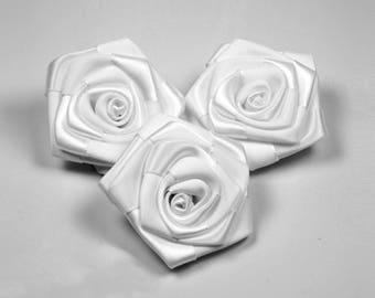 3 heads 6 cm diameter white satin rose
