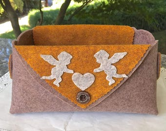 Felt basket tortora with angels and hearts