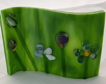 Unique fused glass spring flowers wave stand (5.5 x 3 inches)