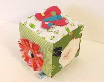 Ghiricube: sensory cube