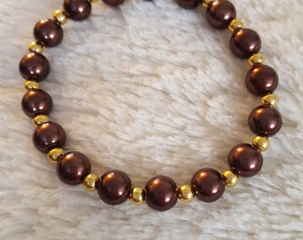 Handcrafted Brown pearl beaded bracelet with gold accents, women's bracelet, pearl beaded bracelet, brown pearls.