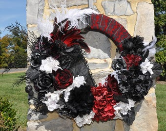 """18"""" Halloween Black, Red and White Wreath"""
