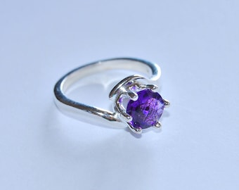 Purple Amethyst round gemstone Sterling Silver ring, solitaire gemstone ring, woman's ring size 8