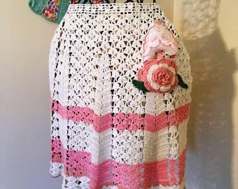 Hand Crochet 1950s Apron with Vintage Handekerchief
