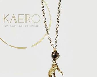 Black Pearl Gold Claw Necklace