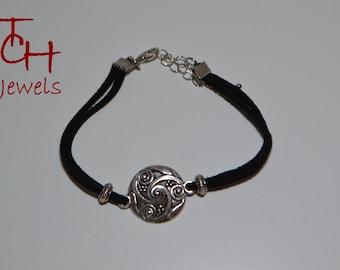 "Silver bracelet ""triskelion"" Black Suede"