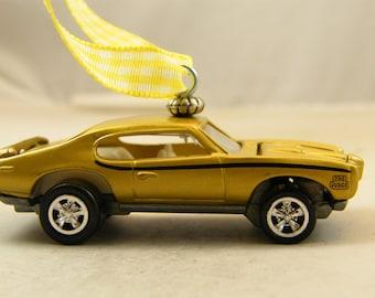 FREE SHIPPING - Valentines Ornament - Opening Hood - 1969 Pontiac GTO Judge -  Birthday