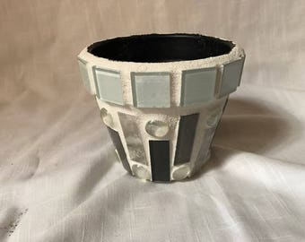 Succulent pot in shades of gray mosaic