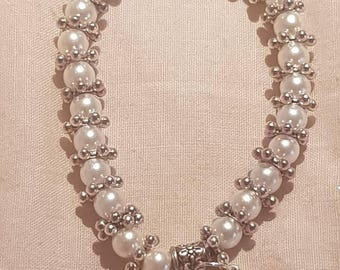New kids 6mm Pearls Beads stretch bracelet with  Snowflake  Charm