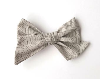 Grey Scallop Dot Bow | baby headband, hand tied bows, hair bows, nylon headband, alligator clip, oversized bow, pinwheel bow