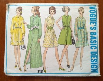 Vintage 1960s sewing pattern: Vogue 2151 (Size 14)
