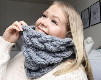The C.A.B.L.E cowl, chunky knit cowl with cables