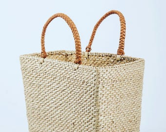 Bulrush Hand basket and leather accessory