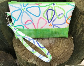 Green Daisy Whimsical Wristlet