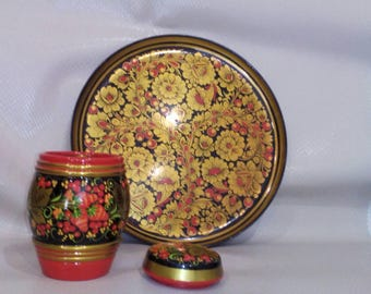 the subject of the tree in the Russian style hand painted Khokhloma