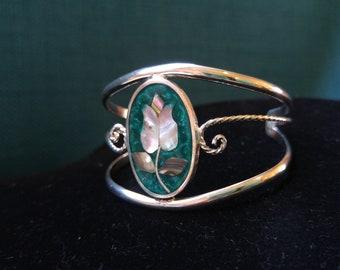 Pretty Shell and Green Enamel Alpaca Cuff - Tulip Jewelry- Mexican Jewlery- Beach Bracelet- Silver Jewelry- Boho Chic- Enamel Jewelry
