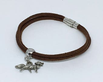 Suede with magnetic clasp and Fox charm bracelet