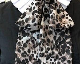 Bow neck tie, street fashion detail