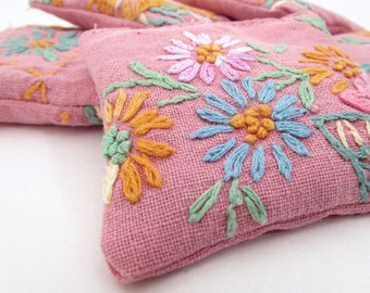 5 Dried Lavender Sachets - Rose Pink - Embroidered Sachets - Vintage Linens - Embroidery - Party Favors - Mother's Day