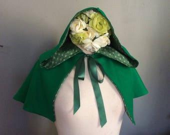 Elf Capelet Green Hooded cape