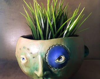 Face Planter - Blue Circle