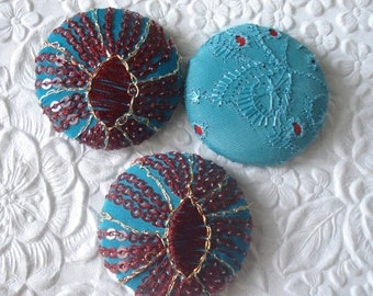 CLEARANCE - Red/aqua - 3 fabric covered buttons - 1.5 inches - size 60 - only one set available
