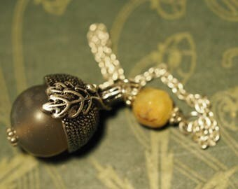 Acorn pendulum made with Agate Gemstone  - for divination & Dowsing - Pagan, Wicca, Witchcraft