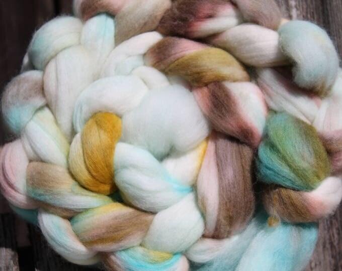Kettle Dyed Merino Wool Top. Super fine. 19 micron.  4oz  Braid. Spin. Felt. Roving. M225