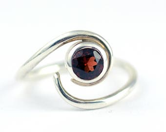 Garnet Ring - Garnet Ring Silver - Solitaire Ring - Gemstone Ring - Alternative Engagement Ring - January Birthstone Ring - Red Garnet R4078