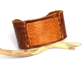 Etched Copper and Brown Leather Bracelet (B1345)
