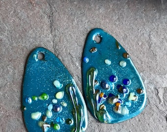 ENAMELED EARRING PAIR, Enameled Charms, Enameled Jewelry, Artisan Component, Havanabeads
