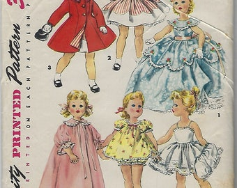 Vintage 1950s Simplicity Printed Pattern for Doll Clothes