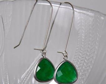 Emerald Green Agate Earrings, Dangle Earrings, Sterling Silver, Gemstone Earrings, Long Earrings, Fashion Jewelry