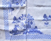 Linen tablecloth, Blue Willow china pattern - vintage 1950s