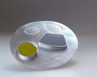 Round Silver Brooch - Statement Brooch - Modern Brooch - Yellow and Grey -  brooch for a coat - uk jewellery - Gem Brooch