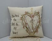 Primitive Valentine Pillow - You Hold The Key To My Heart - Valentine's Decor - Happy Valentine's Day - Love - Decorative Valentine Pillow