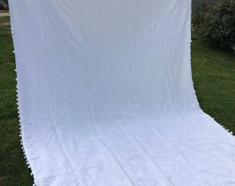 Vintage Bates Style Twin Size White Woven Bedspread with Fringe